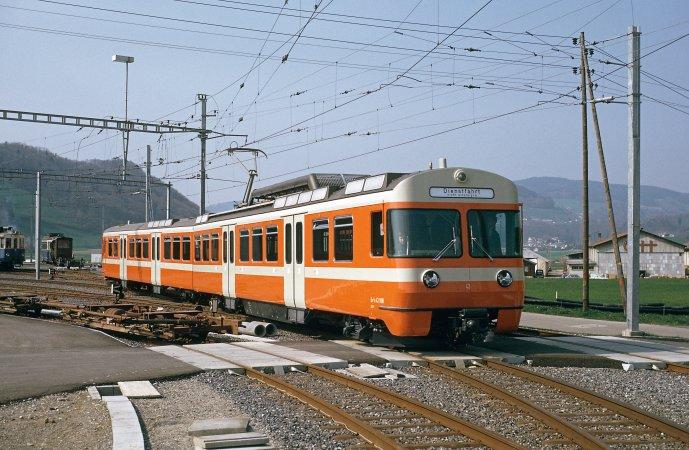 Der Be 4/8 43 frisch ab Fabrik vor dem Depot Worbboden am 08.04.1974, gut anderthalb Monate vor der Betriebsaufnahme. (Foto: Dieter Schopfer)
