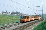 Der Be 4/8 50 passiert am 01.05.1980 die landwirtschaftliche Schule Rütti zwischen Zollikofen und Worblaufen. (Foto: Dieter Schopfer)